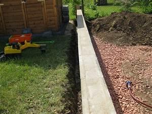 Eine Sttzmauer Aus Beton Schalungssteinen Zum