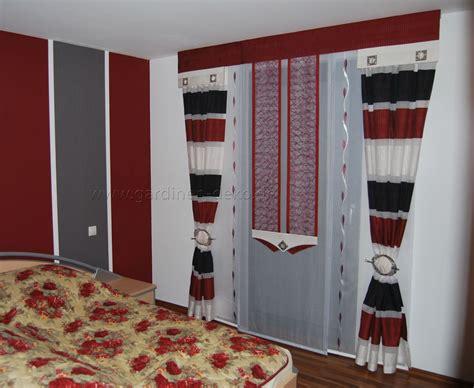 http wohninspirationen ideen fuers schlafzimmer moderne schlafzimmer schiebegardine in rot wei 223 schwarz