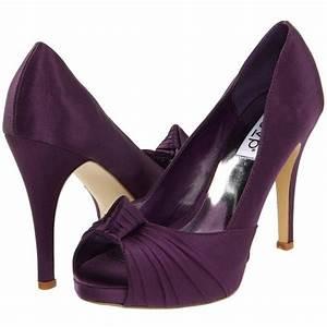plum shoes | Chic Vintage Purple Wedding | Pinterest