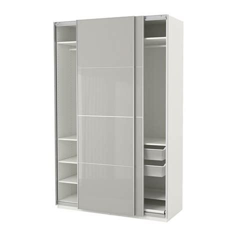 cuisine gris clair et blanc pax armoire penderie ikea