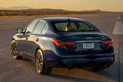 infiniti  review autotrader