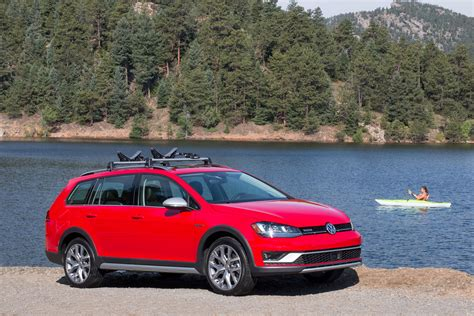 2017 Volkswagen Golf Alltrack Review Carrrs Auto Portal