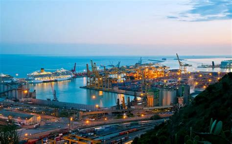 le port de barcelone landing des investissements dans le port de barcelone