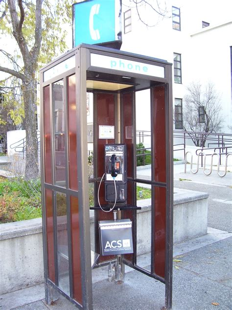 File:Phone booth Anchorage 2006.jpg - Wikimedia Commons