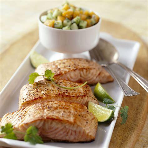 cuisiner pave de saumon pavé de saumon recettes vidéos et dossiers sur pavé de