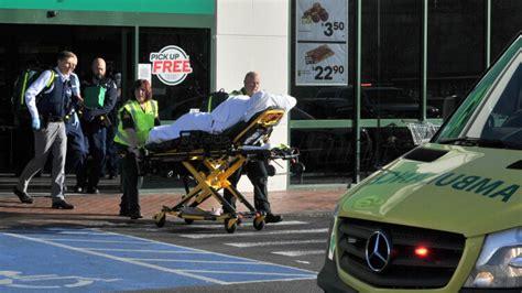 Jaunzēlandē vīrietis ar nazi lielveikalā savainojis 4 ...