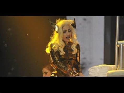 Lady Gaga  Bad Romance (traducida Al Español) (live) Youtube
