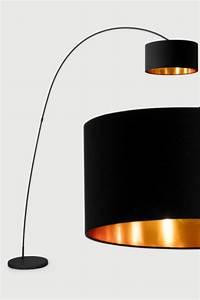 Große Wohnzimmer Lampe : die besten 17 ideen zu stehlampe wohnzimmer auf pinterest stehlampe aus holz lampen ~ Markanthonyermac.com Haus und Dekorationen