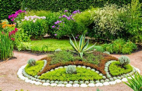 27 Striking Garden Edging Ideas • Garden Outline