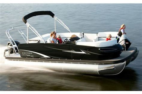 Larson Escape Boats by Larson Escape Rt 2400 Cruise Manufacturer Provided Image