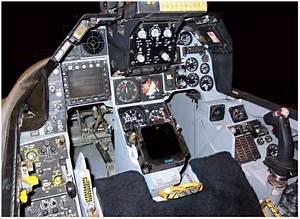 U6700 U3082 U4eba U6c17 U306e U3042 U308b F 15 Cockpit Layout