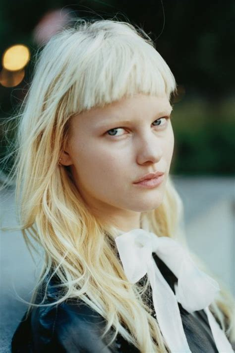 trendy  beautiful long blonde hairstyles