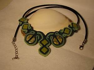 ET Soutache Jewellery: Earings and necklace set.