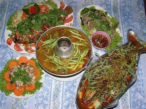 khmer cuisine two fry fish and other cambodian foods cambodian recipes