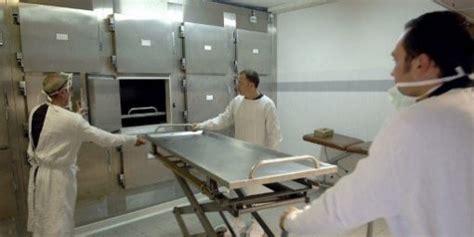 chambre froide bonnet emmené vivant à la morgue un russe y meurt de froid l