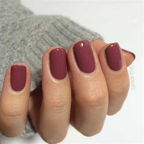 winter nail colors   bridesmaids