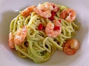 Pasta Mit Garnelen : spaghetti mit avocado und garnelen von black mamba84 ~ Orissabook.com Haus und Dekorationen