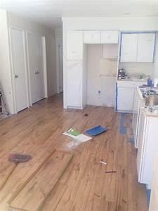 How to replace linoleum floor in bathroom 100 how to for How to install linoleum floor in bathroom