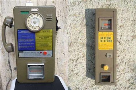 cabina telefonica sip il gettone telefonico per telefonare dalle cabine