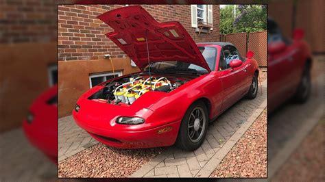 This Electric, Battery-Swapped Mazda Miata NA Still Rocks ...