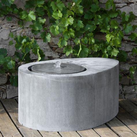 Moderner Zink Terrassenbrunnen  Il Piacere • Gartentraumde