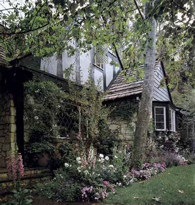 traditional shade garden ideas howstuffworks