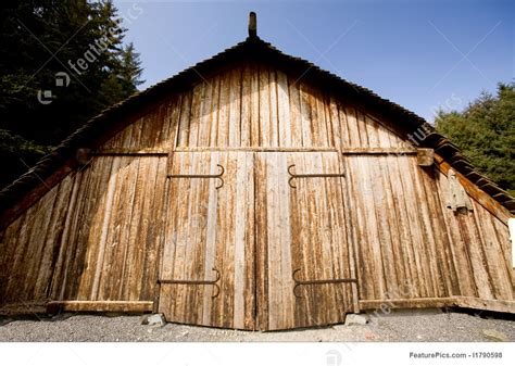 viking boat house picture