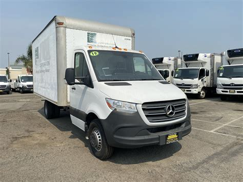 That's the case with the 3500, where it loses out on the low roof and gets the diesel v6 as the only engine option. Used 2019 Mercedes-Benz Sprinter 3500 WDAPF4CD7KN024999 in Fountain Valley, CA | Fam Vans