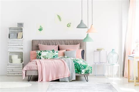 decorate  pink bedroom