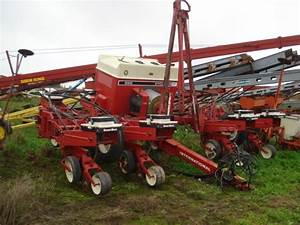 International 800 Planter