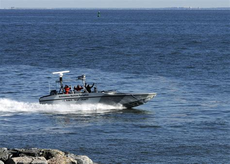 General Dynamics Electric Boat Self Service by Unmanned Watercraft