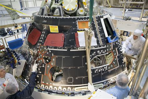 heat protecting  shell tiles installed  nasas orion