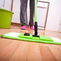 best thing to clean hardwood floors with let s choose the best thing to clean hardwood floor with great result without regret homesfeed
