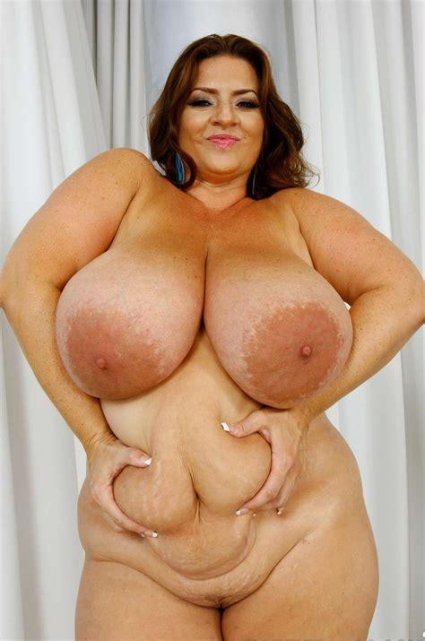 Huge Tits Thread Gallery