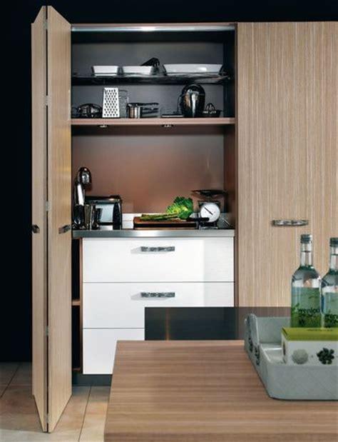 cuisine dans un placard 3 scénarios pour aménager une cuisine îlot de cuisine