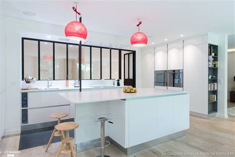 interieur cuisine une cuisine blanche qui a de l 39 sk concept la
