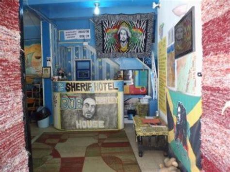 chambre bob marley bob marley house hostel louxor réservez une chambre sur