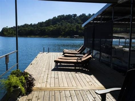 beaver lakefront cabins the dock picture of beaver lakefront cabins eureka
