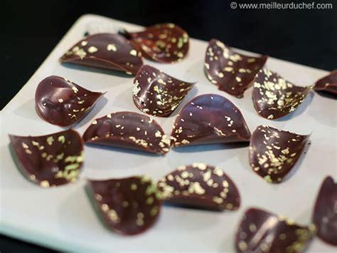 chips en chocolat pour d 233 coration d entremets fiche recette illustr 233 e meilleurduchef