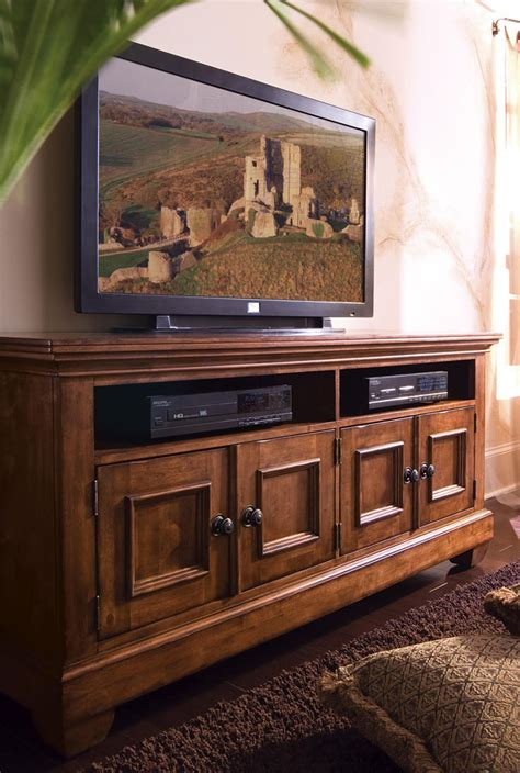 kincaid tuscano solid wood entertainment console
