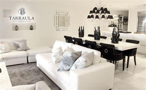 decoracion comedor salon chandelier negro blanco mesa