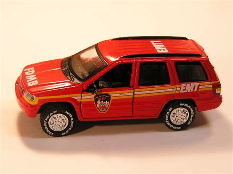 matchbox jeep grand cherokee matchbox fc 07 jeep grand cherokee