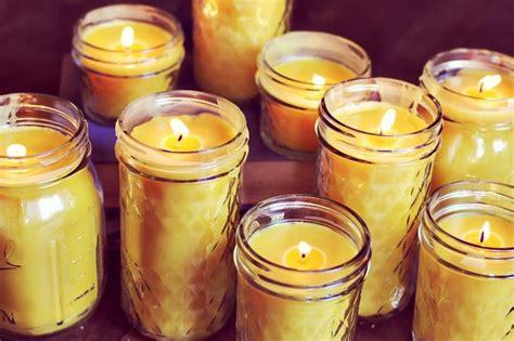 creare candele in casa come fare una candela in casa la figurina