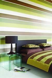 Tapete Streifen Grün : w nde gestalten tapete mit streifen in gr n und braunt nen attraction von ~ Sanjose-hotels-ca.com Haus und Dekorationen