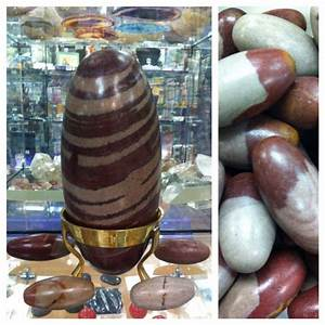 Believe it or not, Shiva Lingams are river rocks from the ...