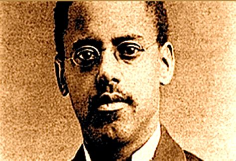 how invented the light bulb black history month lewis latimer the genius credited