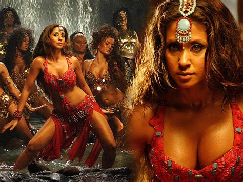 Bollywood Actress Urmila Matondkar Hot Pics Wallpapers