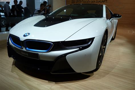 BMW i8 hydrogen fuel cell prototype - pictures | Auto Express