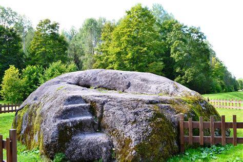 Nīcgales Lielais akmens - VISITDAUGAVPILS