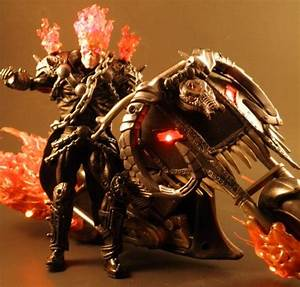 Marvel Legends Ghost Rider w/ Hellcycle - Toy Discussion ...